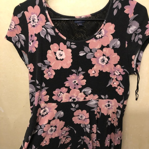 Aeropostale Dresses & Skirts - A black dress with super cute flowers on it.